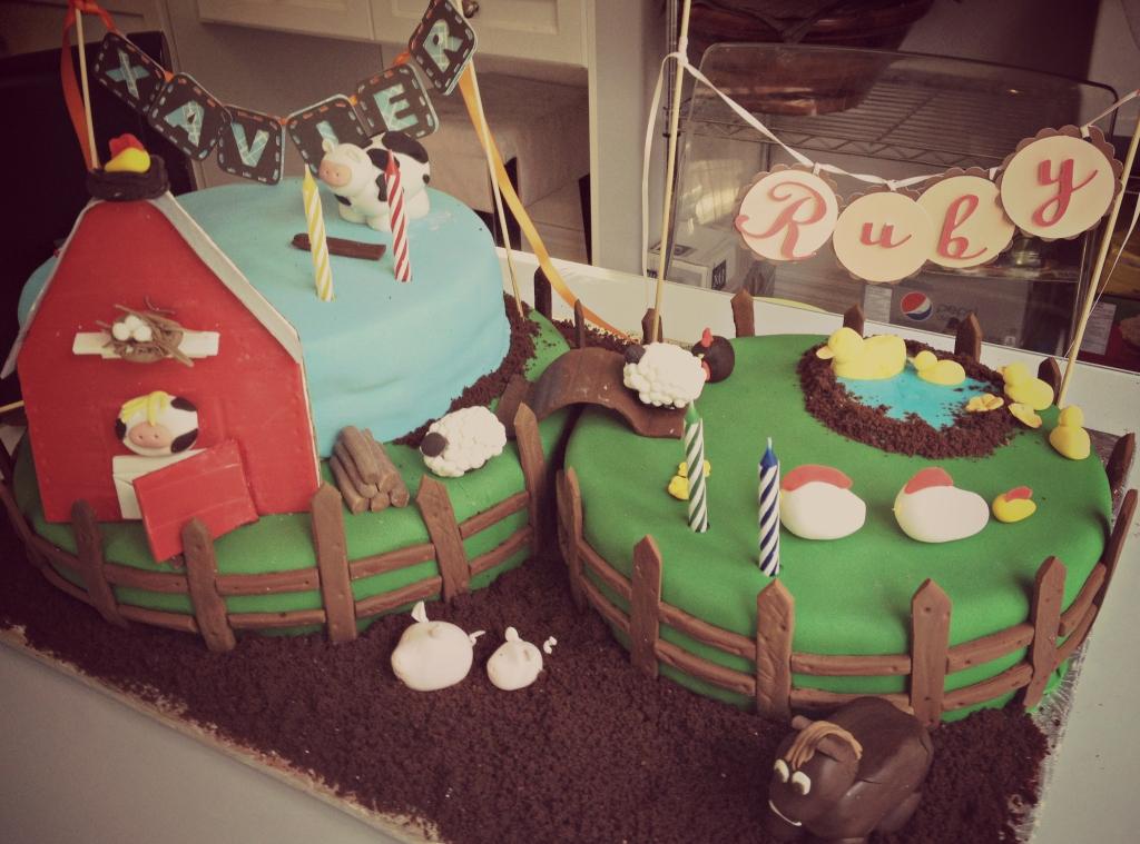 barnyard Fondant cake